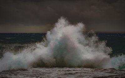 wave-4891318_640